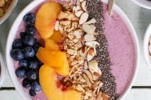 peach-blueberry-smoothie-bowl