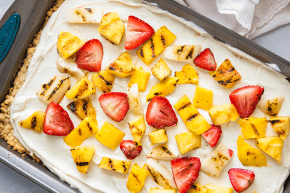 grilled-fruit-pizza-1000x435
