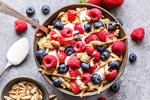 Berry Quinoa Breakfast Bowls