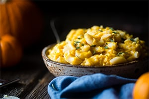 Smoky Pumpkin Greek Yogurt Mac & Cheese