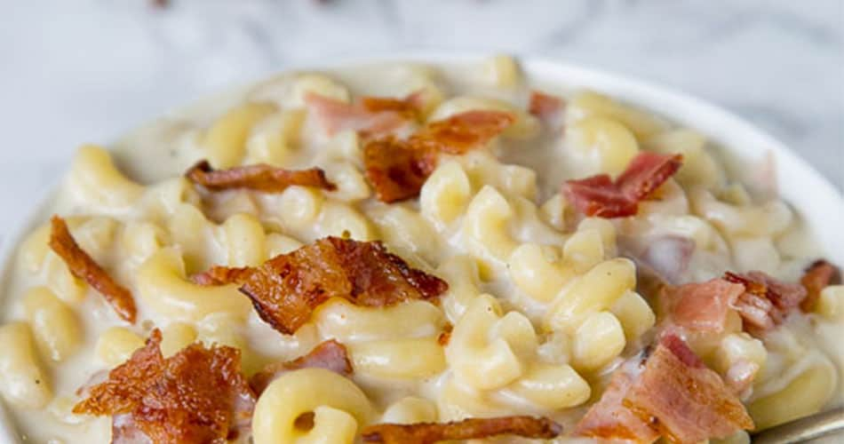 Creamy bacon mac and cheese